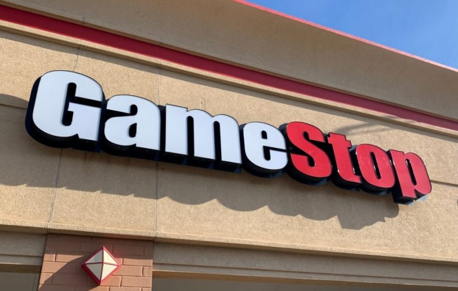 gamestop-CEO announces-will-be-retire